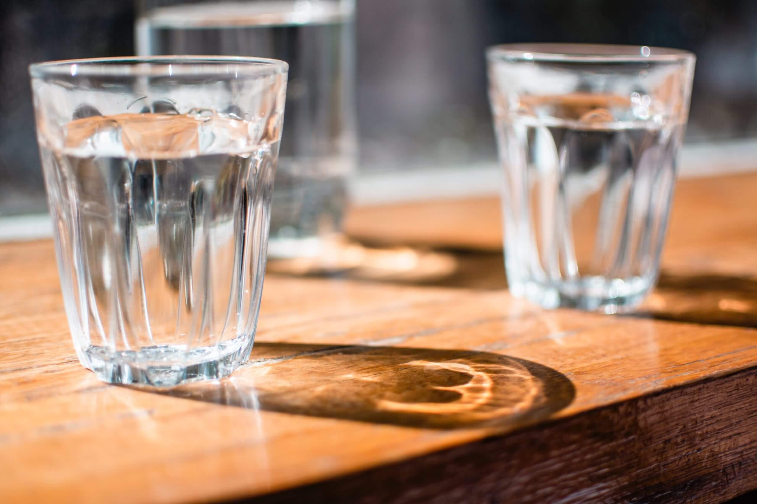 フルーツデトックスに欠かせない飲み物!お水で健康な細マッチョ作り!